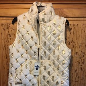 Simply Southern Pineapple Puffer Vest NWT Medium